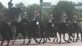 Horses passing Buckingham Palace