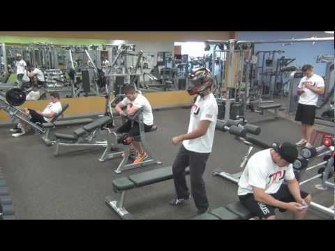 Harlem Shake Original V? (Australian Gym Workout Fitness Edition)
