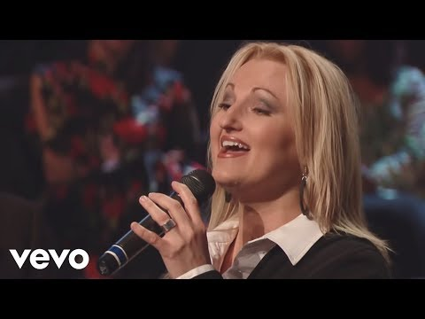Bill & Gloria Gaither - The Promise [Live] ft. The Martins