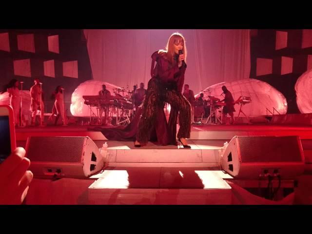 Rihanna - Man Down/Rude Boy/Work, Vienna Austria, Anti World Tour HD