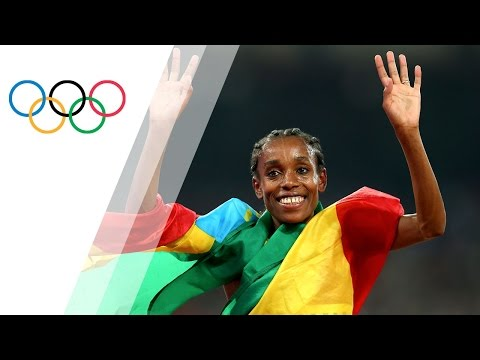 Almaz Ayana obliterates the 10000m World Record and clinches
