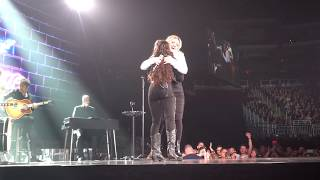 "Chevel Shepherd sings her single ""Broken Hearts"", with Kelly Clarkson - (2019-02-01) - Glendale, AZ"
