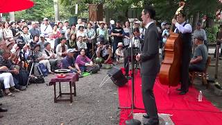 2017.10.8 浅草神社境内で行われたライブの一部分(7曲)を収録。 字幕を...