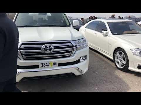 Авторынок Армении. Переделанный Toyota Land Cruiser 200.Хороший понт дороже денег.