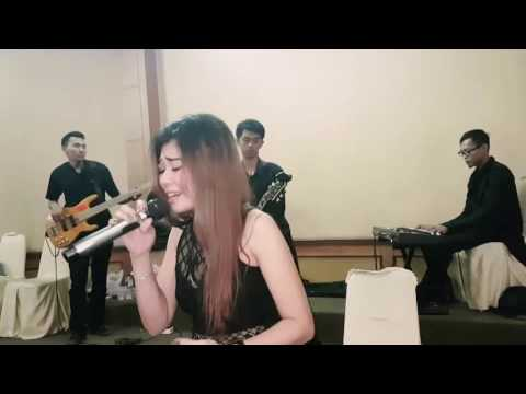 Agnes Mo - Rindu (cover by Chia Maharani ft D'Lossa Band)