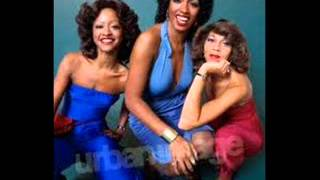 Watch Three Degrees Magic In The Air video