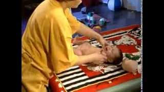 Детский массаж. Массаж ребенка до года(Видеоуроки по самомассажу - http://www.youtube.com/user/EkscluZive/videos Еще больше о массаже - на http://ekscluzive.ru/massage Детский масса..., 2011-11-17T22:27:28.000Z)