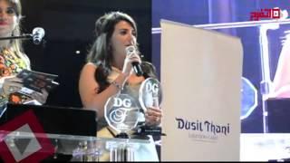 """دنيا سمير غانم تهدي جائزة """"دير جيست"""" لإبنتها (اتفرج)"""