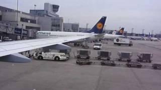 Lufthansa Pushback & Startansage Kapitän & Purserette