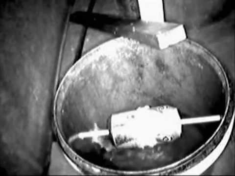 Bucket Mouse Trap In Action Youtube