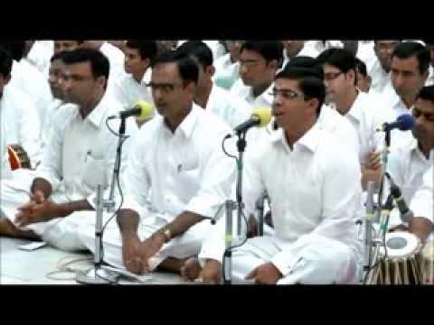 Devotional Song By Sai Students - Manishini Madhavuni Madhavuni Cheya...
