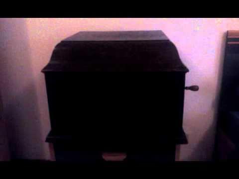 BOOGIE WOOGIE (Pineton Smith) TOMMY DORSEY and his Orchestrade YouTube · Durée:  5 minutes 7 secondes · vues 542 fois · Ajouté le 18.09.2012 · Ajouté par lerenifleur