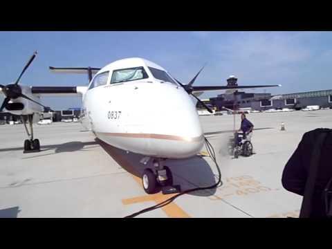 Commutair (United Express) Dash 8 Q300 Boarding