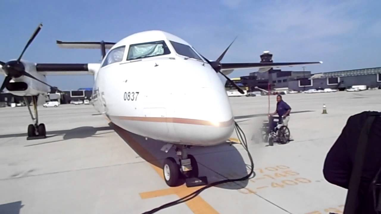 commutair united express dash 8 q300 boarding youtube