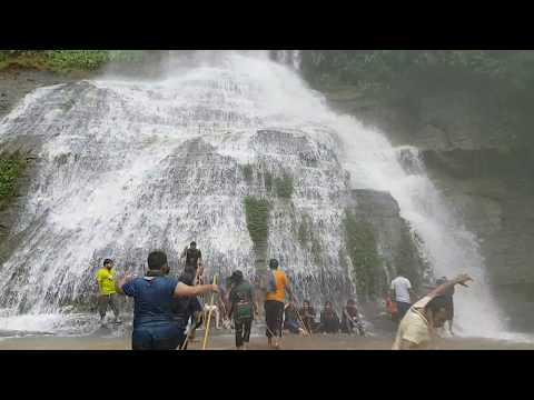 Napittachhora(নাপিত্তাছড়া) waterfall in Bangladesh (recorded with Samsung Galaxy s7 edge)