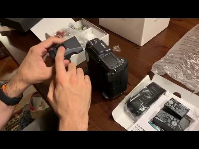 Unboxing Fujifilm GFX100