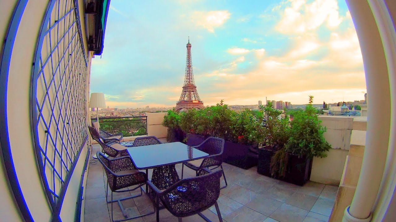 Stunning eiffel tower view suite at the shangri la paris for Terrace eiffel tower view room shangri la
