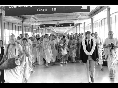 Rendering of Service is the Eternal Religion of the Living Being - Prabhupada 1070