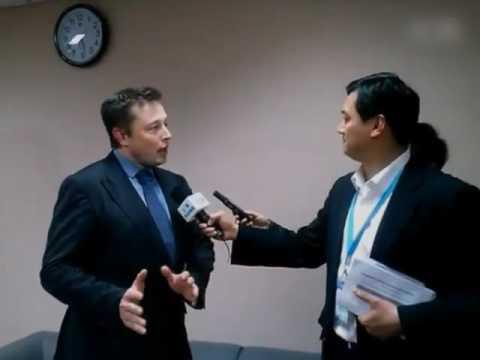 Elon Musk praises Shanghai for its EV efforts 2014.mp4