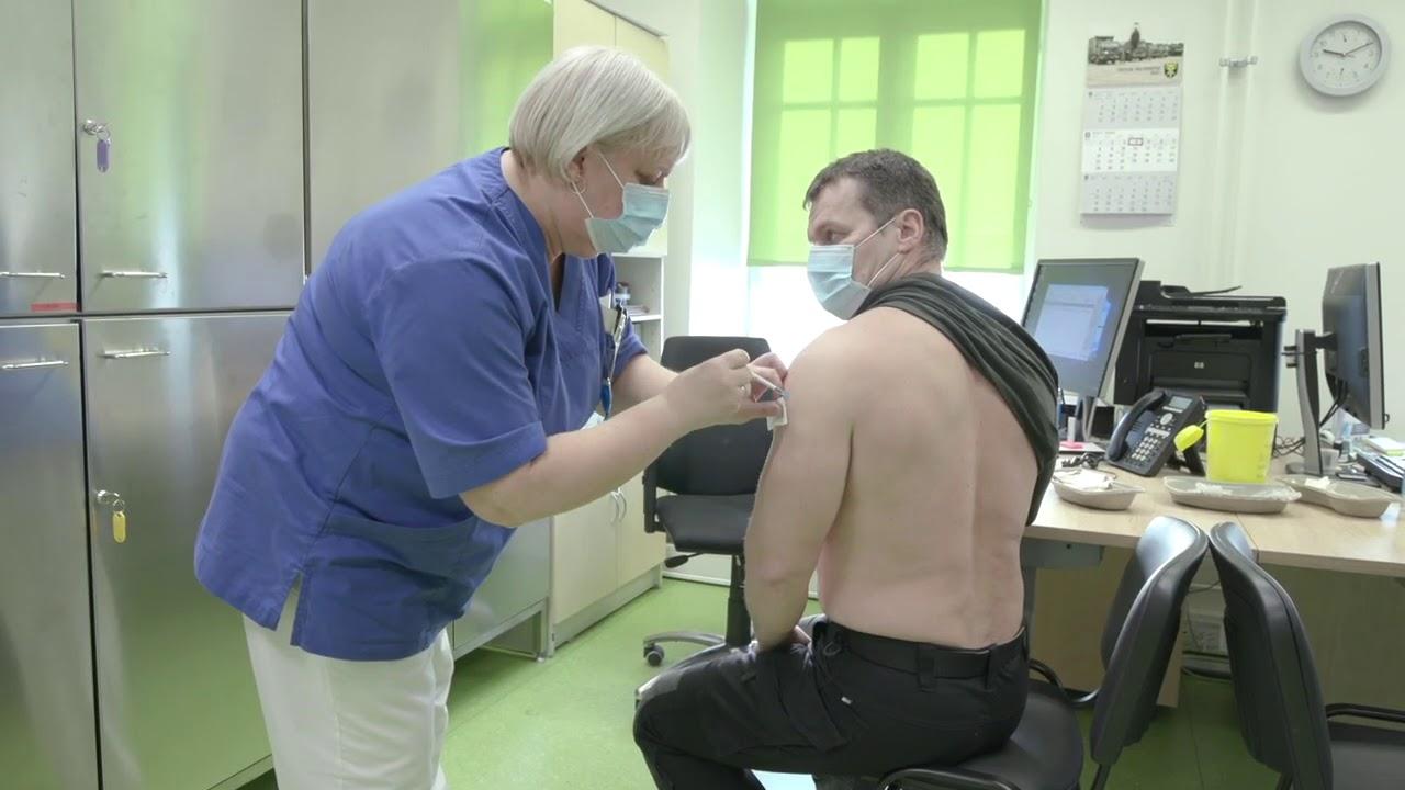 Koroonaviiruse vastu vaktsineerimine kaitseväes