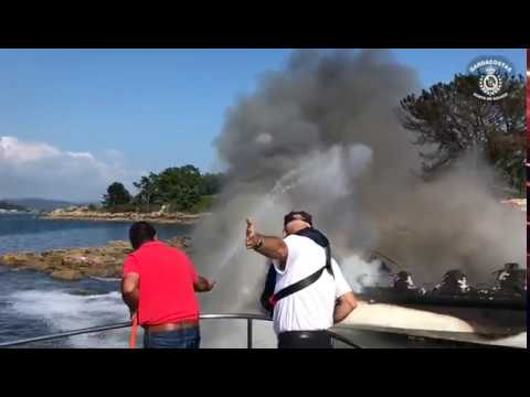 Video - Incendio dun catamarán na illa da Toxa