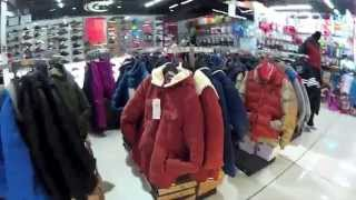 Цены на одежду в торговом центре в Китае
