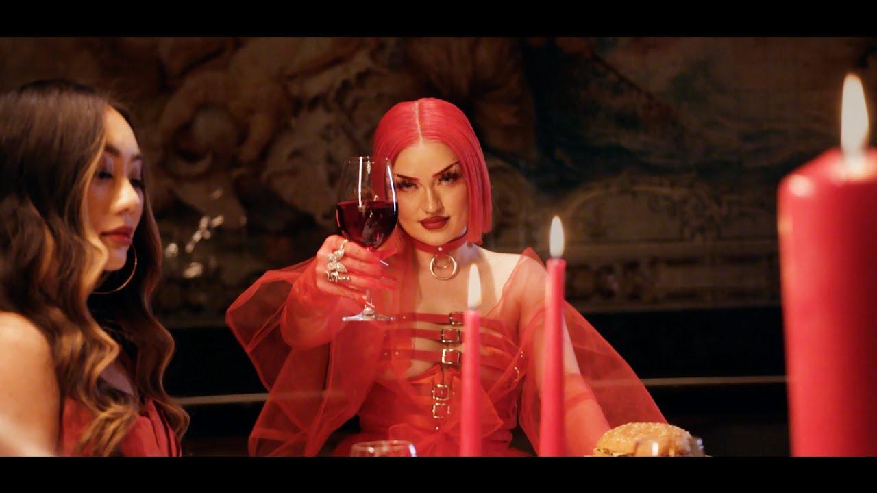 Naomi Jon - Bite Me (Official Music Video)