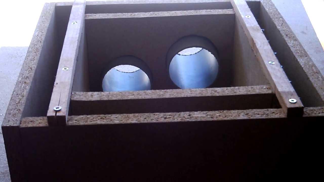 Coffrage ferraill pour regard d 39 eaux pluviales youtube for Coffrage pour appui de fenetre
