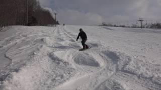 湯殿山スキー場に遊びに来た近藤芳正さんを撮影しました。