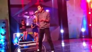 Thanh niên Việt Nam hát siêu nhân cuồng phong cực đinh emo