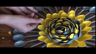 DIY: Plastic Spoons Centerpiece / Multicolored Plastic Spoons Wall Art