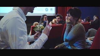 Heiratsantrag im Kino / Proposal of marriage in cinema