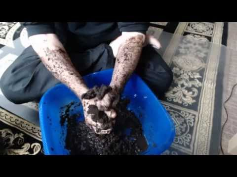 [ASMR] Soil, Dirt, Earth - Squishy Sounds, Hand Movement ;-)