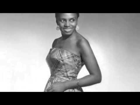 Miriam Makeba - Kulala (Live) Official Video