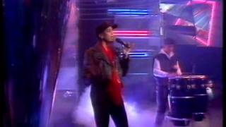 Bomb the Bass Feat Maureen - Say A Little Prayer TOTP [Original broadcast] HQ