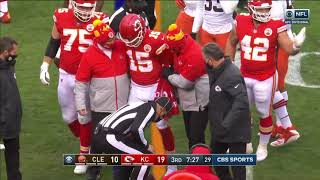Patrick Mahomes Scary Injury & Struggles Standing Up After Going Unconscious