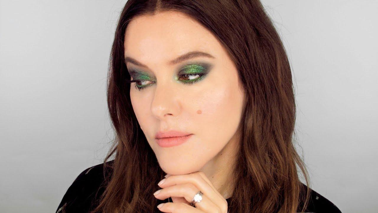 emerald green eye - red carpet makeup look