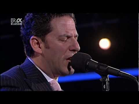 The Clayton-Hamilton Jazz Orchestra feat. John Pizzarelli - Jazzwoche Burghausen 2011 fragm. 5