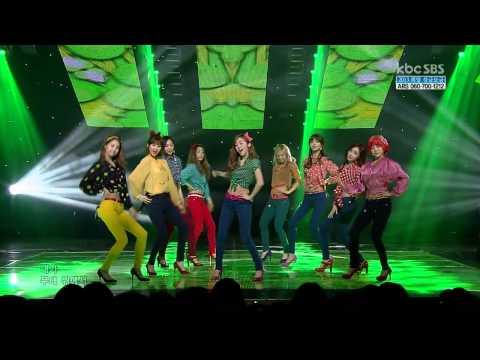 Girls' Generation - Dancing Queen - Live