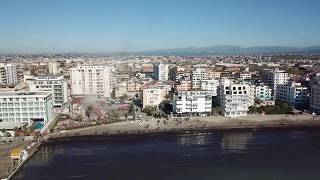 Durrës/ Vidhnin dyert dhe dritaret e banesave të dëmtuara nga tërmeti, arrestohen dy persona