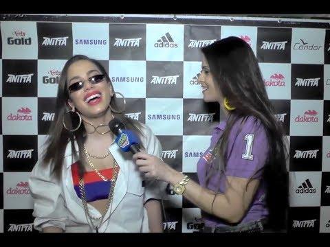 Anitta fala de namorado e revela música nova
