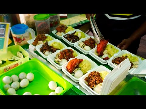 You will definitely be drooling! Various type of NASI LEMAK CAKCIBOR - Malaysian Street Food
