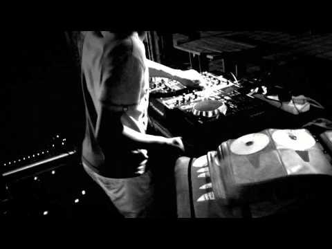 ScourgeDHM dancing to Dj Cleo, Ifani, Lection, Duncan- Gogo ( Ben10 Anthem)