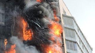 Масштабный пожар охватил 22-х этажный  дом в Одессе 29.08.2015