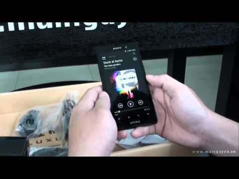 Khui hộp Sony Xperia ion - www.mainguyen.vn