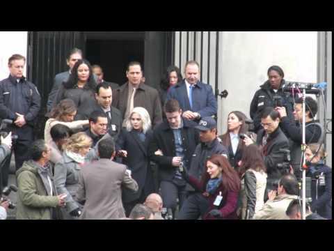iZombie season 2 finale scene - Major and Liv leave courthouse