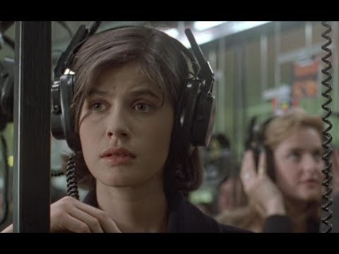 【越哥】豆瓣8.7分,这么有良心的电影不多了,又是一次人性的洗礼!速看《蓝白红三部曲之红》