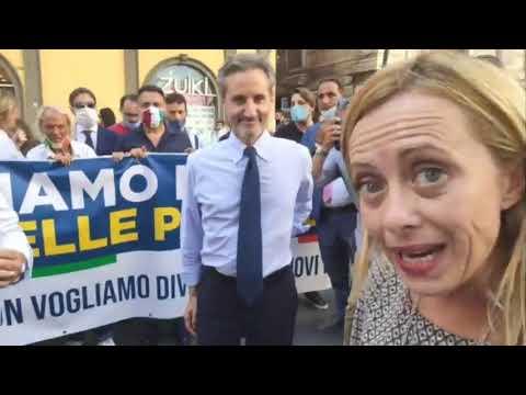 Giorgia Meloni in diretta da Napoli: FdI al fianco delle partite IVA, commercianti e imprenditori