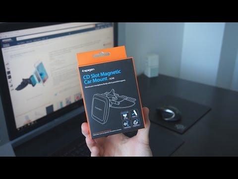 Le support pour smartphone de voiture, magnétique et pour slot CD, de chez Spigen