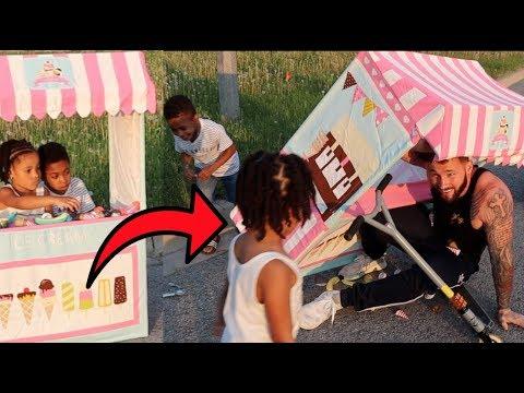 Drive Thru Ice Cream Stand CRASH! FamousTubeKIDS